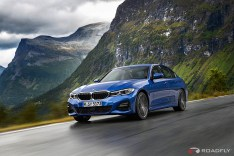 2019-BMW-3-Series-330i-330xi-11