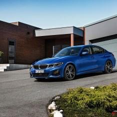 2019-BMW-3-Series-330i-330xi-21