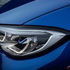 2019-BMW-3-Series-330i-330xi-31
