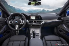2019-BMW-3-Series-330i-330xi-34