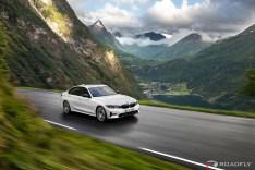 2019-BMW-3-Series-330i-330xi-42