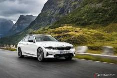 2019-BMW-3-Series-330i-330xi-48