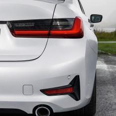 2019-BMW-3-Series-330i-330xi-69
