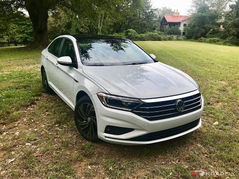 2019-VW-Jetta-SEL-Premium-White-Silver-01