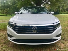 2019-VW-Jetta-SEL-Premium-White-Silver-05
