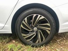 2019-VW-Jetta-SEL-Premium-White-Silver-08