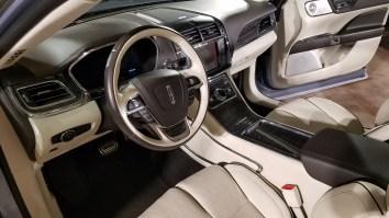 Cockpit Lincoln Continental