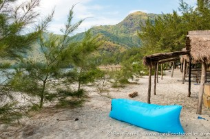 anawangin-cove-camping-103