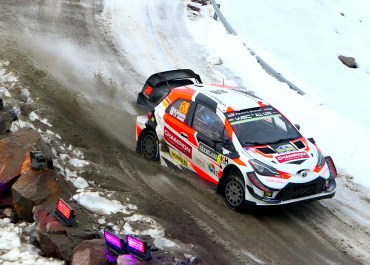 Marcus Gronholm Timo Rautiainen drift session on power stage toyota gazoo racing yaris rally sweden wrc road rug cars roadrugcars brothers car voiture auto automobile rally car race car