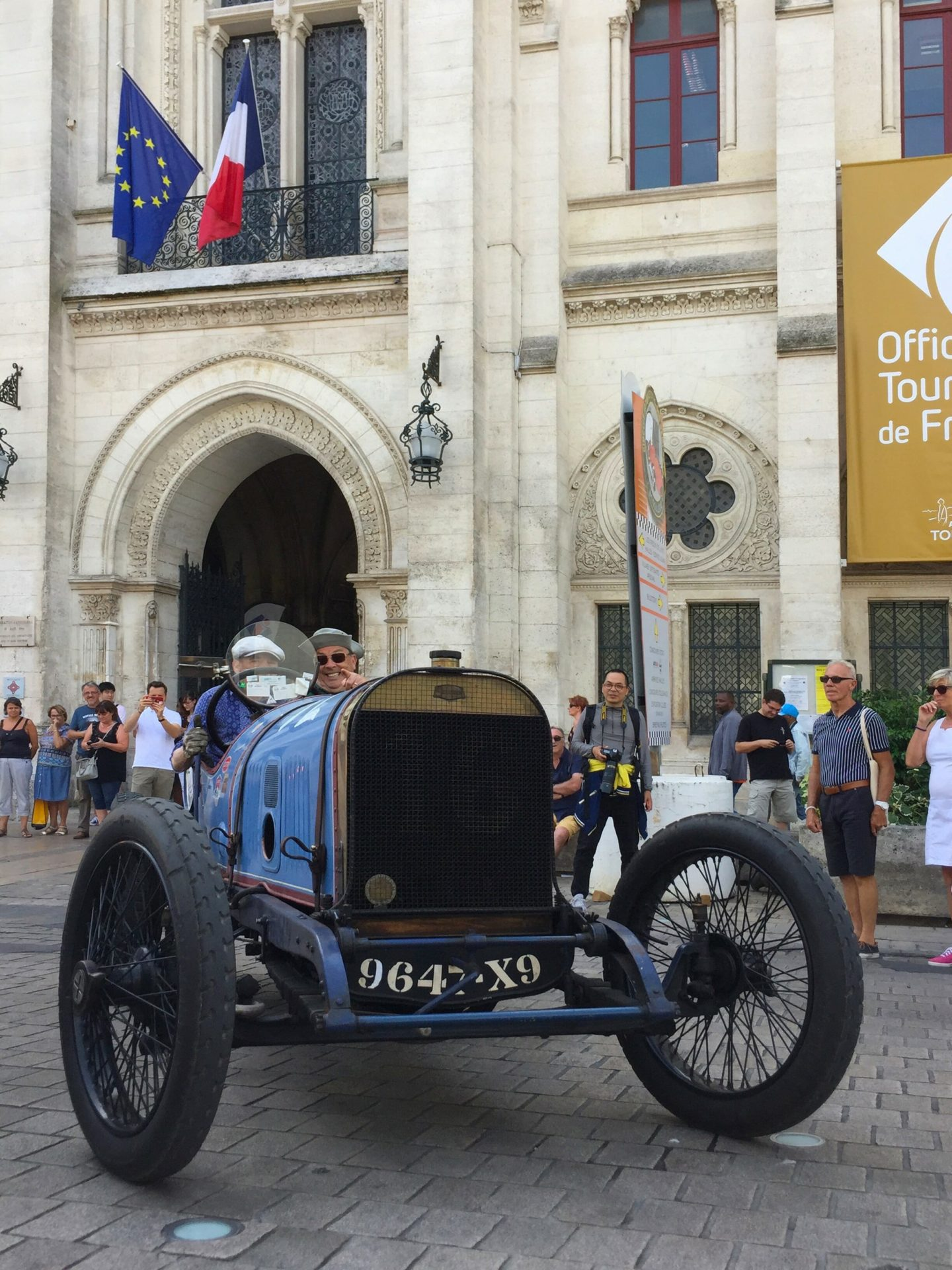 roadrugcars road rug cars circuit des remparts angouleme first day center city