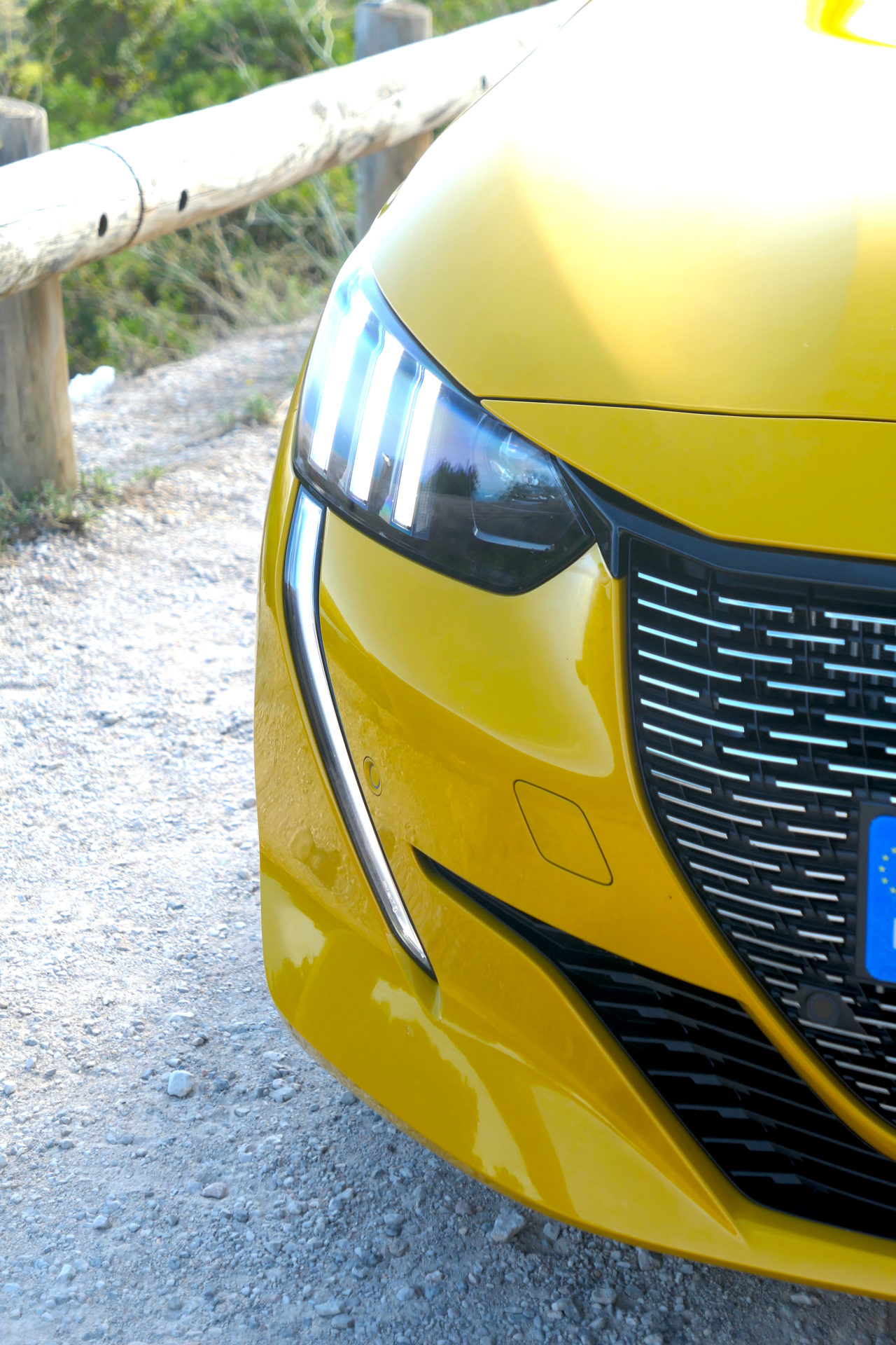 roadrugcars road rug cars peugeot 208 e 208 headlight detail