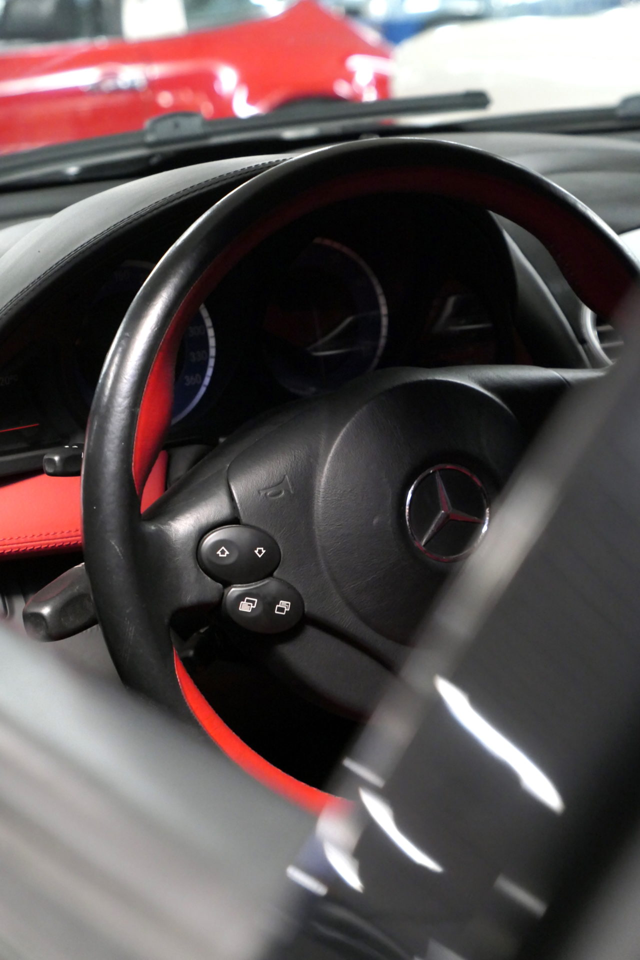 roadrugcars road rug cars artcurial sur les champs mercedes benz mclaren slr steering wheel