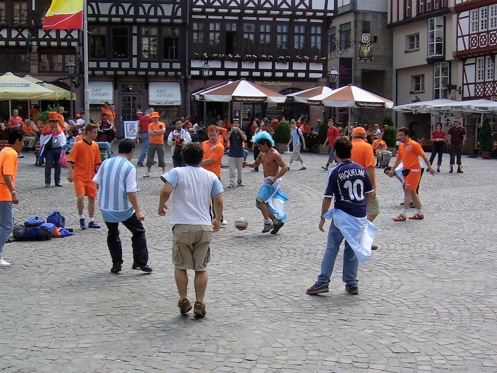 Argentina v Holland in the square