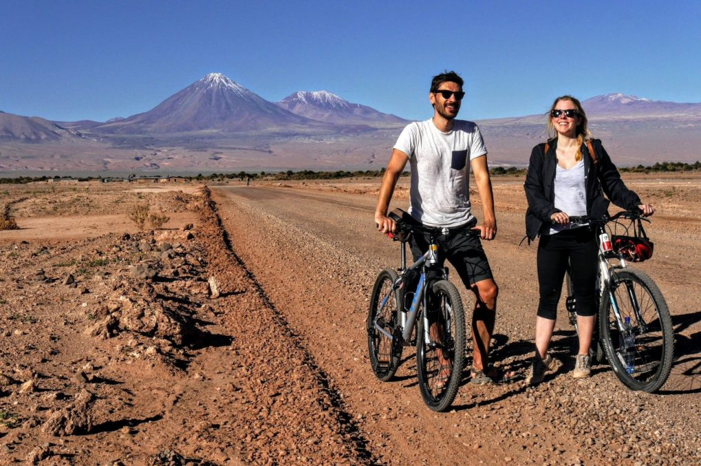 Radfahren im Valle de la Luna, Atacama Wüste, Chile