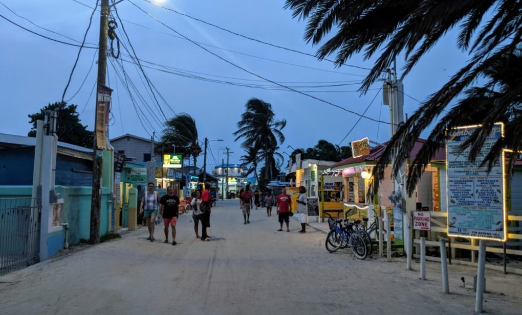 Abends in Caye Caulker