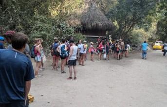 Anstehen für den Bus, Tayrona Nationalpark