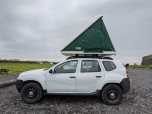 Island Geländewagen mit Dachzelt