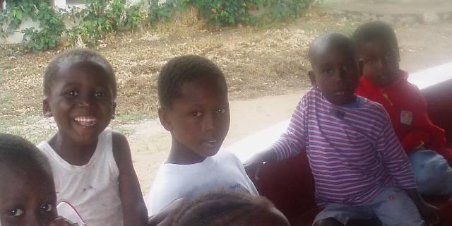 orphanage-children-kenya-2007-by-roadsofstone.jpg