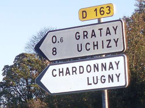 roadsign-near-chardonnay-burgundy-france.jpg