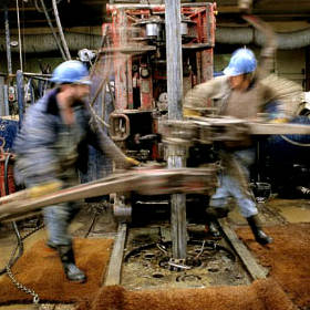 roustabouts-on-the-drill-floor.jpg