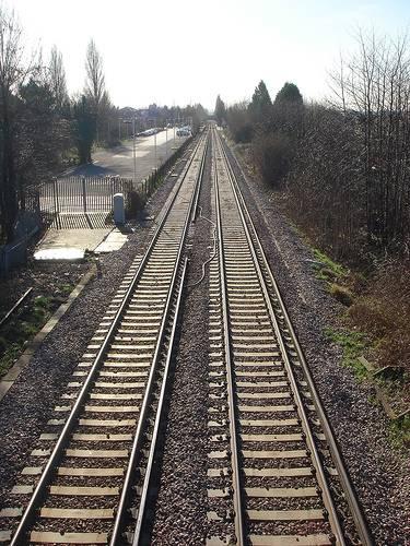 railway-ewell-surrey-england-by-druss101-flickr