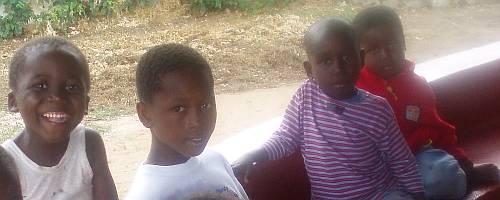 orphanage-children-kenya-by-roadsofstone