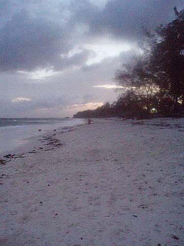 the-dusk-behind-the-beach-kenya-by-roadsofstone