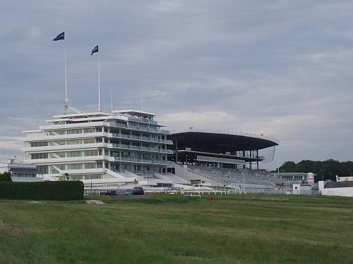 epsom-racecourse-surrey-england-building-the-new-grandstand-by-roadsofstone
