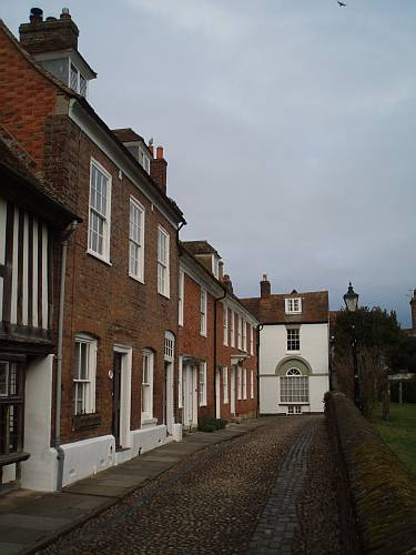 merchants-houses-in-church-square-rye-east-sussex-england-by-roadsofstone