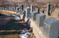 tombstones of Titanic victims