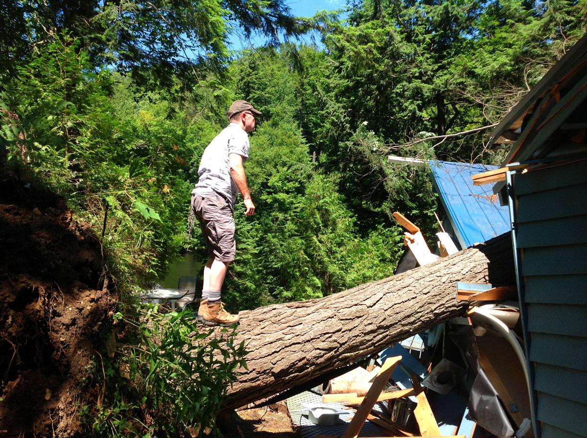 destroyed-cottage-3
