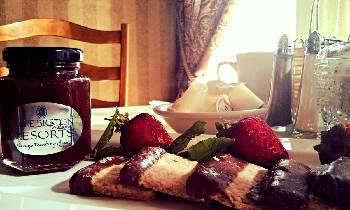 oatcakes and jam