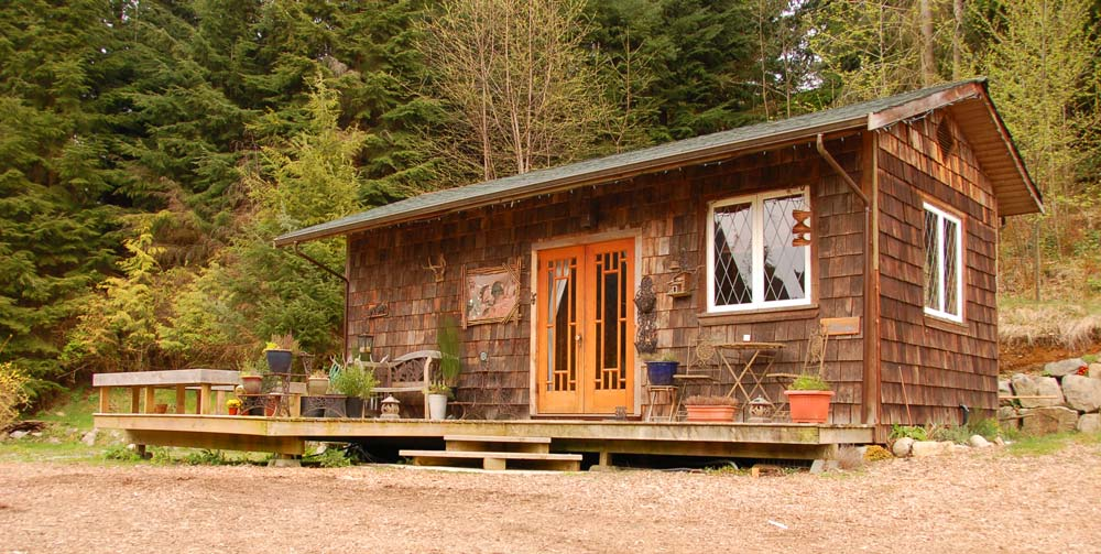 Cozy Cabin at Alderwood Farm on Bowen Island