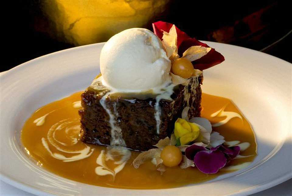 Sticky-Date-Pudding Canadian food