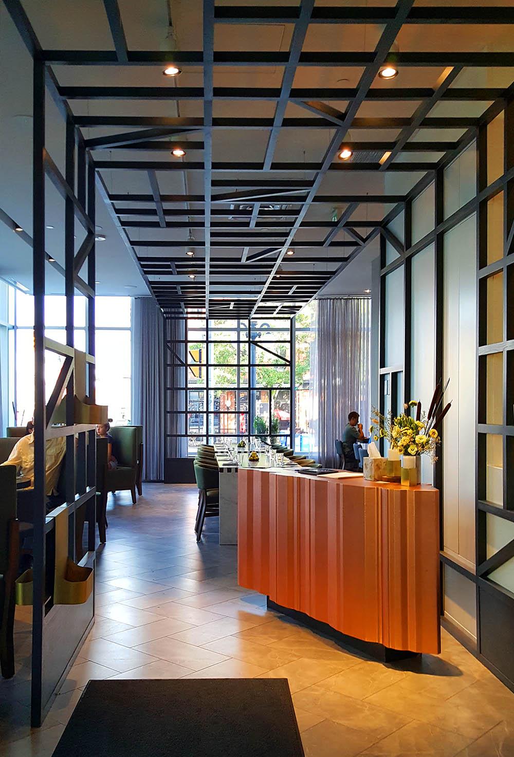 Ottawa Andaz Hotel lobby