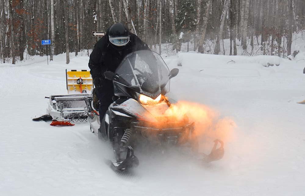 Arrowhead Provincial Park ski-doo