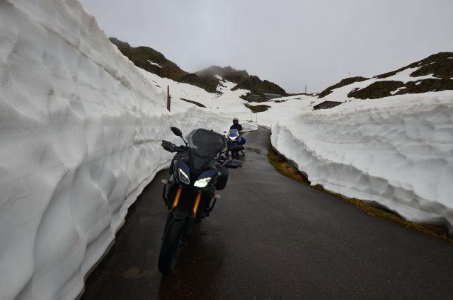 Les motos au col du Susten (Sustenpass)