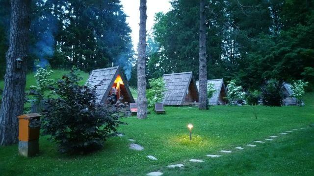 Les woodhouses au camping de Bled
