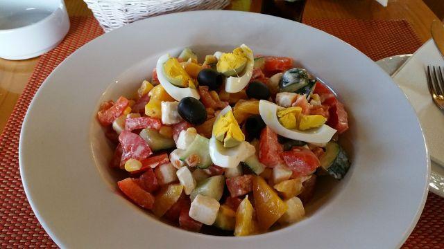 Salade du Restoran Degenija