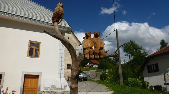 Sculptures en bois au château de Predjama - Slovénie
