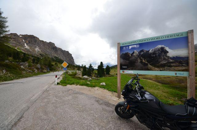 La Tracer au col de Falzarego - Dolomites