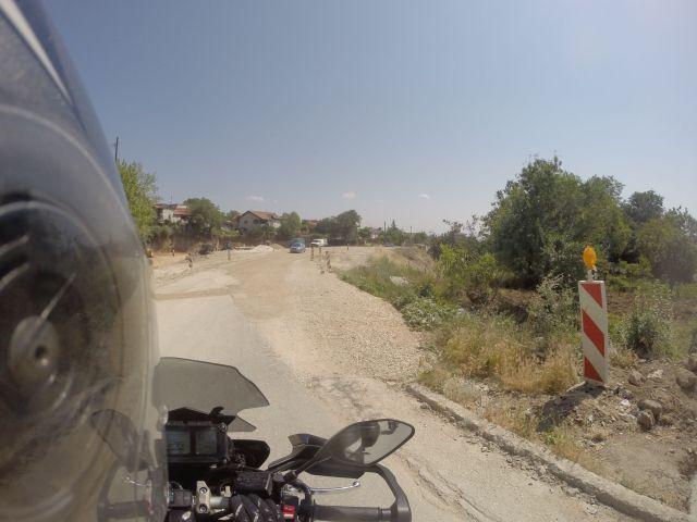 Route dans les environs de Skopje