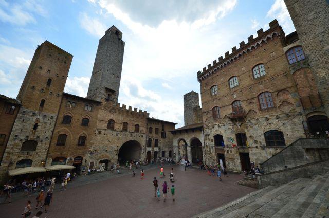 Piazza del Duomo - San Gimignano