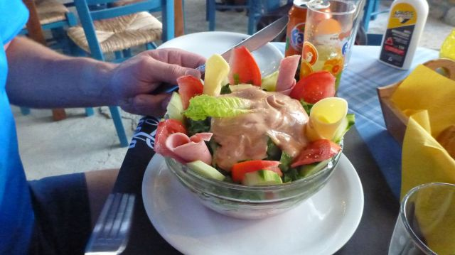 Salade à la taverne du camping Koroni