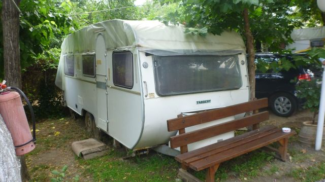 Notre caravane au Camping Vrachos Kastraki