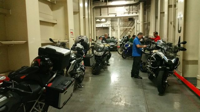 Les motos dans le ferry