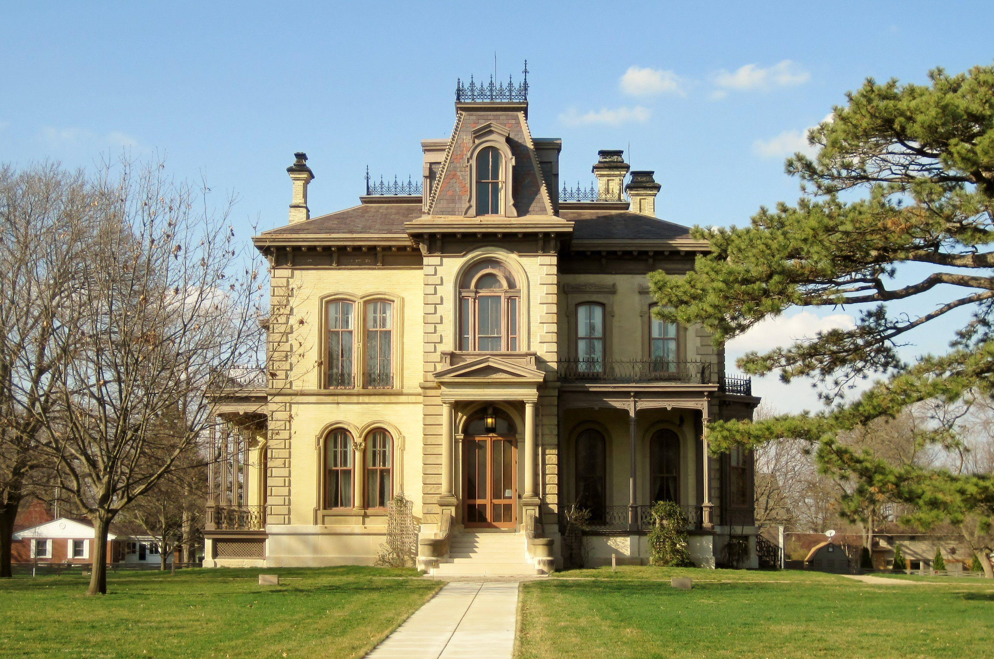 architecture-Italianate-Clover-Lawn-Teemu08-WC-crop-5ae74f723418c6003794d00e.jpg