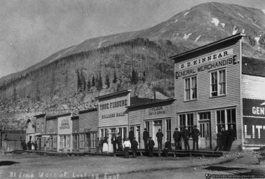 B&W photo CO mining town 1800's