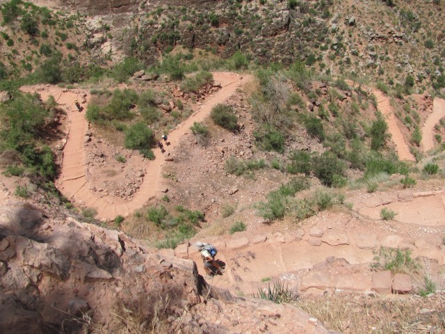 Grand Canyon Rim to Rim with kids: Views From the Bright Angel Trail
