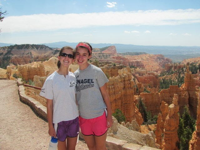 Naomi and Sophie Hiking the Fairyland Loop Trail in Bryce Canyon National Park